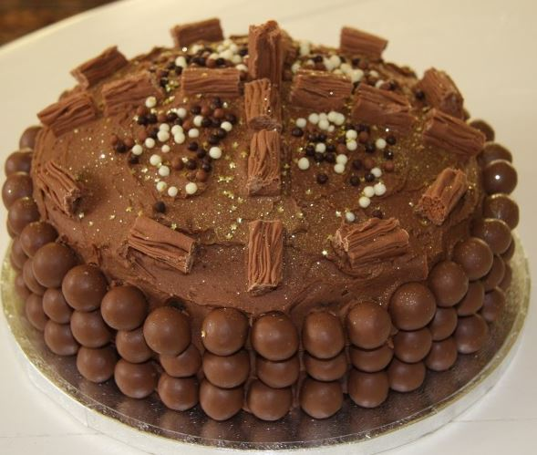 birthday cake images for whatsapp